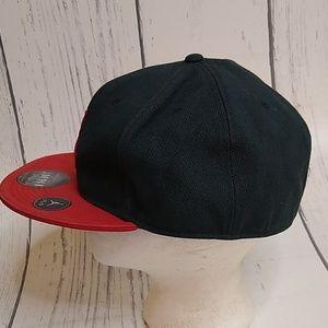Jordan Accessories - VTG Air Jordan Black Red Fitted Hat 7 3/4 New